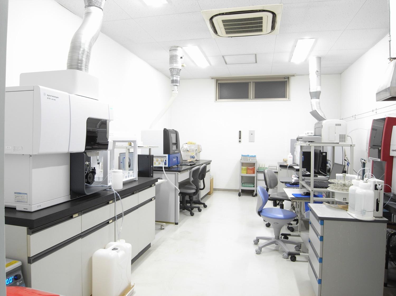 金属分析室